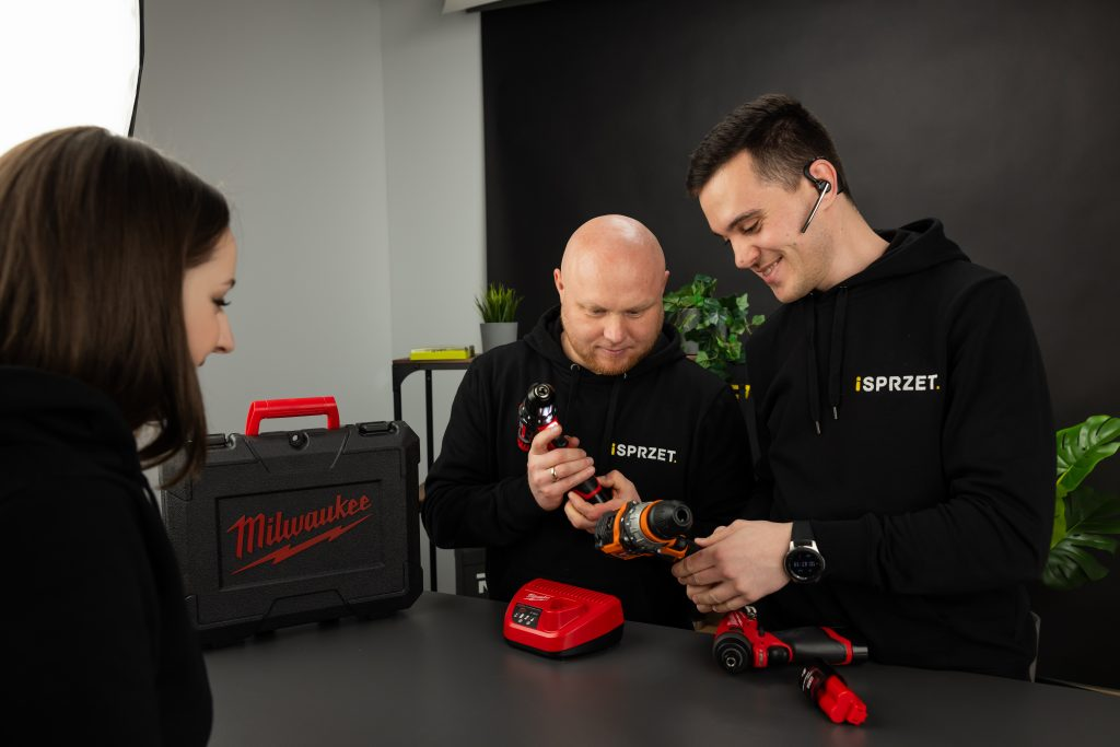 How does iSPRZET.PL increase product sales thanks to the Dealavo tool?
